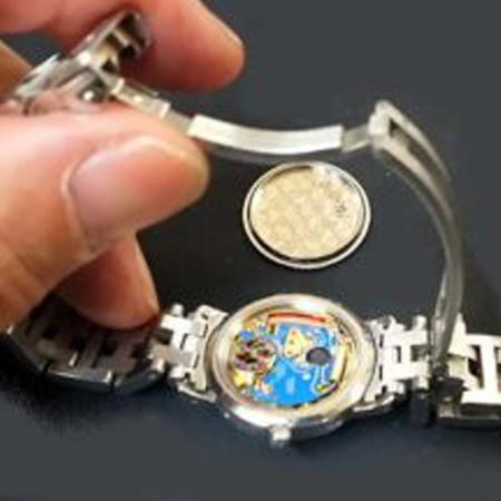 エルメス時計の電池交換1-1.jpg
