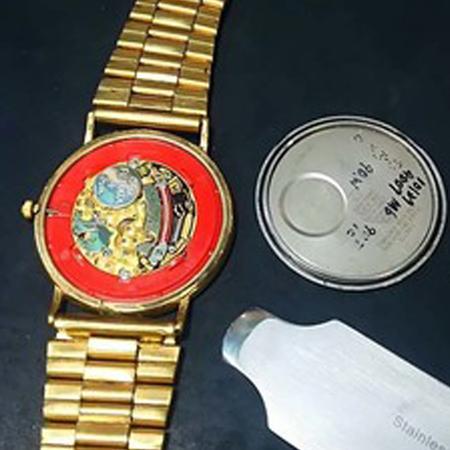 オメガの時計の電池交換1.jpg